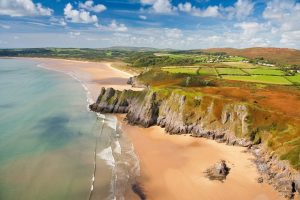Three Cliffs Bay, Gower ©Visit Wales
